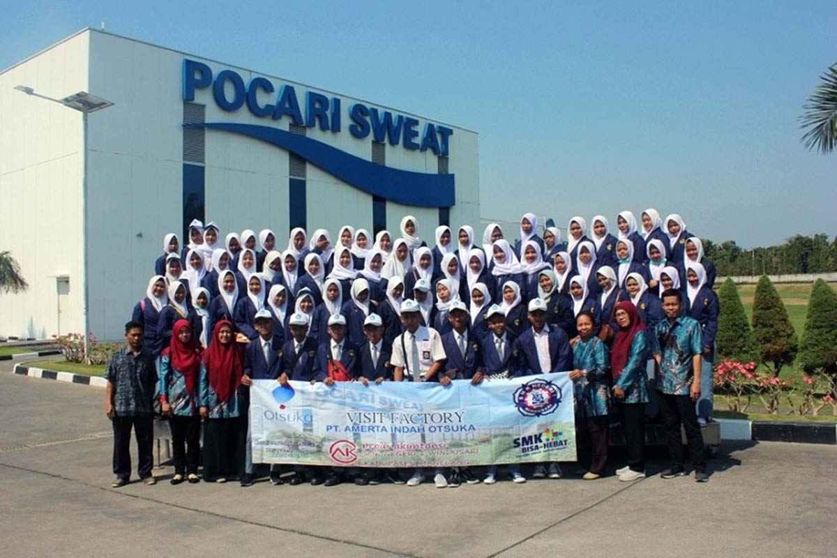 Kunjungan Industri Jurusan Akuntansi ke PT Amerta Indah Otsuka